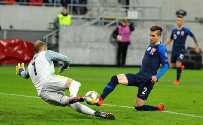 b9015cc37cfa5 Čerešničkou na torte mohol byť tretí gól v zápase s Maďarskom, Pekaríkovu  radosť prekazil ofsajd
