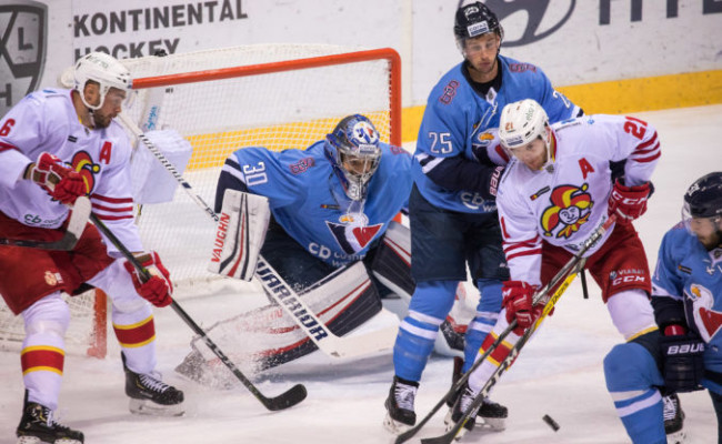 98fe0493a7c89 Aktualizované: HC Slovan Bratislava nad Jokeritom trikrát viedol, ale  nezískal ani bod