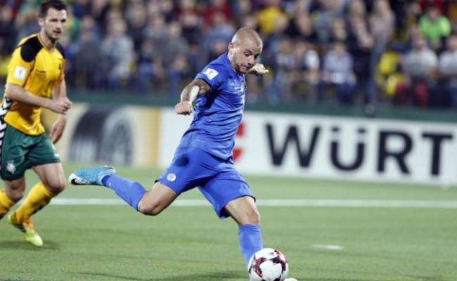 7d370f9c2d5b6 Slovenská futbalová reprezentácia sa zmenila na holubník: Prerastajú egá  našim hráčom cez hlavu?