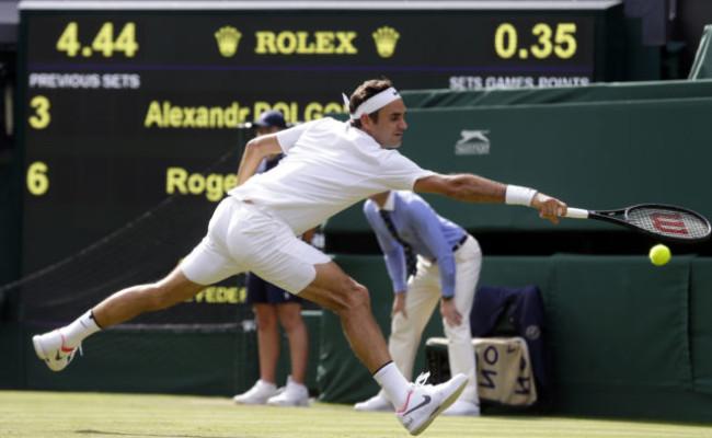 a69d34ceab651 Aktualizované: Federer po výhre v 1. kole Wimbledonu vedie historické  poradie v Londýne
