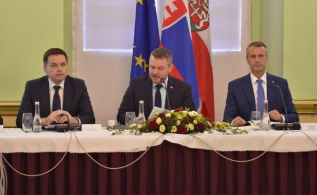 798c5758eb Aktualizované  Pellegriniho vláda schválila akčný plán pre okres Levoča