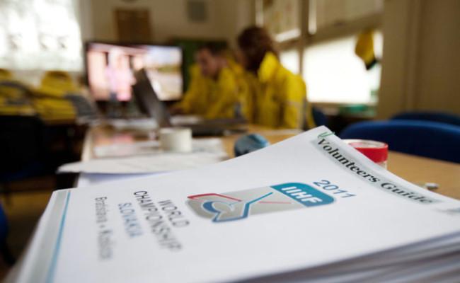 0bf83401efcde Hľadajú dobrovoľníkov pre MS v hokeji 2019 na Slovensku, potrebujú ich  stovky na rôzne pozície
